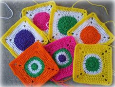 Zooty Owl's Crafty Blog: Circles in Squares: Baby Groovyghan CAL(4)