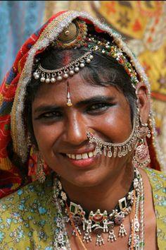 photo of Rajasthani woman by Tony & Thomas of Contemporary Nomad