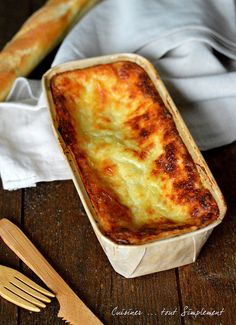 un croque monsieur mais en cake. Quiche, My Favorite Food, Favorite Recipes, Oven Dishes, Salty Cake, Breakfast Items, Creative Food, Street Food, Finger Foods