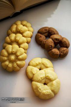 Fantasia di biscotti alla vaniglia con frolla all'olio.