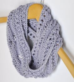 Free Knitting Pattern - Cowls and Neck Warmers: Easter Moebius