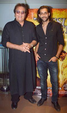 Akhil Kapur with uncle Vinod Khanna at special screening of 'Desi Kattey'.