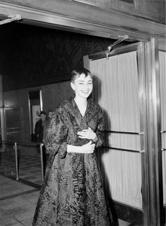 """Red Carpet Audrey arrival. Audrey arrived late at the 1954 Academy Awards. She was performing in the Broadway production of """"Ondine"""" the same night. She won the Oscar for best actress in """"Roman Holiday"""" and a Tony for """"Ondine"""" a few days later."""