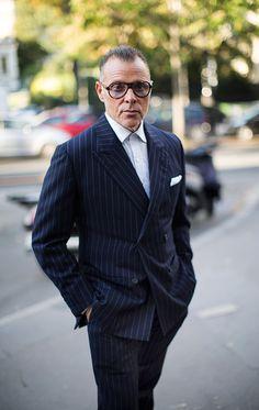 On the Street…Mr. Cortina, Paris (The Sartorialist) On the Street…Mr. Blue Suit Men, Blue Suits, Most Stylish Men, Best Shopping Sites, Sartorialist, Star Fashion, Paris Fashion, Men's Fashion, Fashion Weeks
