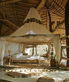 Jurnal de design interior: Shompole Lodge - un resort idilic în Kenya Tent Bedroom, Magical Bedroom, Bali Bedroom, Whimsical Bedroom, Bed Room, Home Design, Interior Design, Sweet Home, Bamboo House