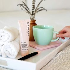 Renew your skin in 2020 with the TimeWise Moisture Renewing Gel Mask! Mary Kay Miracle Set, Imagenes Mary Kay, Mary Kay Cosmetics, Gel Mask, Beauty Consultant, Skin Care Regimen, Makeup Addict, Body Care, Your Skin