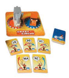 Crazy Circus - Foxmind - De drie wilde dieren op het podium wachten op de orders van de dierentemmer om elk op hun juiste plaats te geraken. Snelheid en logisch denken zijn hier troeven.  Leeftijd 8 +  Samen Spelen Oplossen Waarnemen  PL+52