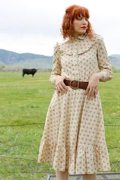 Vintage 1970's  PRAIRIE Dress (M) CALICO