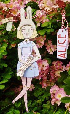 A4 paper doll kit Alice in wonderland drink me por Berlinroses