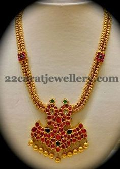 Jewellery Designs: Antique Choker with Ruby Locket