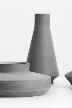 Vasen in grau und aus Beton! Hier entdecken und shoppen: https://sturbock.me/wDN