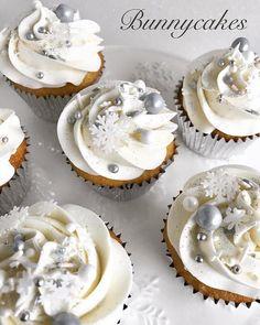 Walking in a winter wonderland.  Cupcakes and photo by @bunnycakesandcookies . . . #customcupcakes #buttercream #buttercreamicing #cupcakes #cupcakes #sprinklescupcakes #sprinkle #sprinkles #edibleart #winterwonderland #lemon #lemoncupcakes #bunnycakesandcookies #desserts #Eattheworld #EatSipTrip #10Best #eater #eeeeeats #forkyeah #trendinginthekitchen #eatmunchies #Munchies  #food52 #eater #damnthatsdelish #eatthis #noleftovers #food #foodie