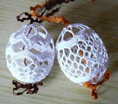 Crochet Doily Patterns, Crochet Doilies, Easter Crochet, Happy Easter, Easter Eggs, Christmas Bulbs, Holiday Decor, Crochet Animal Amigurumi, Christmas Ornaments