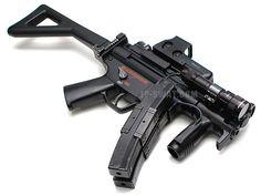 プライマリーウェポン H&K MP5 Airsoft Guns, Weapons Guns, Guns And Ammo, Armas Wallpaper, Ar Pistol, Submachine Gun, Cool Guns, Military Weapons, Tactical Gear