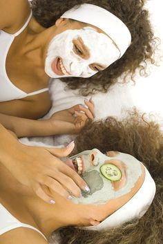 Remedies to Get Rid of Dark Circles Under Eyes ★ See more: http://glaminati.com/dark-circles-under-eyes/