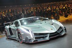 2013 Lamborghini Veneno revealed in Geneva Lamborghini Veneno, All Lamborghini Models, Best Lamborghini, All Sports Cars, All Cars, Sport Cars, Nice Cars, Veneno Roadster, Latest Cars