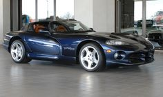 2001 DODGE VIPER in my favorite combination. Sapphire blue with cognac leather. Dodge Viper, Cars Motorcycles, Cool Cars, Dream Cars, Convertible, Automobile, Vehicles, Snake, Sapphire