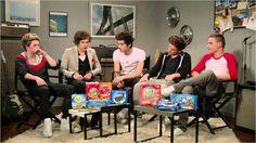 Los chicos de One Direction te cuentan su parte preferida de la oreo [VIDEO]