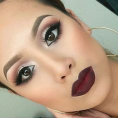 Recommended -  Classic Look - Gold Eyes & Red Lips #Fashion #Trend