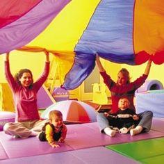 Jouer constitue la meilleure façon d'accompagner, dès son plus jeune âge, le développement corporel, intellectuel et affectif de l'enfant.  ...