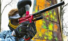 Paintballing: 10 people with 100 balls each for £10