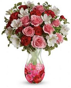 Rosy Posy Bouquet ~ It looks like love! A bouquet of light pink and red blooms is the perfect choice for a lovely glass vase adorned with a sweet rose pattern. Pink Rose Bouquet, Pink Roses, Bouquet Flowers, Colorful Flowers, Beautiful Flowers, White Flowers, Birthday Flower Delivery, Flowers For Valentines Day, Bouquet Delivery