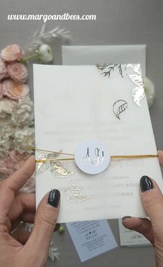 invitations with pictures Simple and elegant wedding invitations with gold lettering Elegant Wedding Invitations, Acrylic Wedding Invitations, Minimalist Wedding Invitations, Printable Wedding Invitations, Wedding Stationery, Wedding Themes, Wedding Ideas, Gold Invitations, Wedding Shot