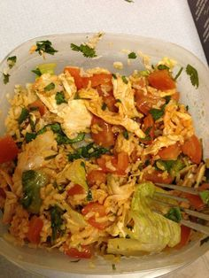 "21 DAY FIX - ""Chipotle"" - 1 red (shredded chicken), 1 green (tomatoes and romaine lettuce), 1 yellow (brown rice), cilantro & hot sauce"