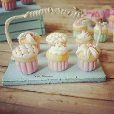 Sei cupcake crema al burro lampone rosa panna montata scala 1/12 Dollhouse Miniature