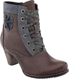Buy the L'Artiste by Spring Step Pinot women's boots on sale at PlanetShoes.com. Order L'Artiste by Spring Step online with free shipping & free returns! Click or call 1-888-818-7463. (Taupe Leather)