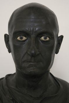 Male portrait. Bronze. Mid-1st century B.C. Inv. No. 5634. Naples, National Archaeological Museum.