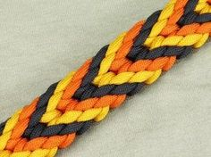 How to make a Plaited Chevron Sinnet Paracord Bracelet Tutorial (Paracord 101) - YouTube