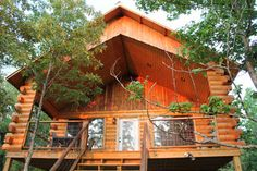 Nichol's Hole Cabins in Glenwood, Arkansas. Great cabin right on the Caddo River. Perfect for floating or swimming and not far from Hot Springs, AR!