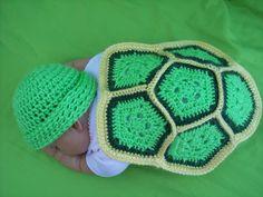 Crochet Turtle Shell Free Pattern/ Johannson look! Crochet Crafts, Yarn Crafts, Crochet Projects, Crochet Baby Hats, Love Crochet, Crochet Boys, Newborn Crochet, Blanket Crochet, Crochet Turtle