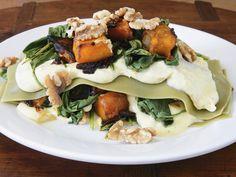 Herbstliche Lasagne mit Kürbis, Spinat und Walnüssen | EAT SMARTER