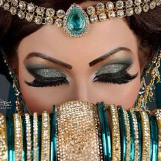 Step by Step Arabic Party Wear & Bridal Eye & Complete Face Makeup Tutorial with Pictures (16)