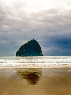 Haystack Rock, Cape Kiwanda, Pacific City, Oregon