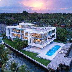 Amazing mansion mansions modern mansion, mansion interior, d Mega Mansions, Mansions Homes, Cool Mansions, Modern Miami, Casas Containers, Dream Mansion, Luxury Homes Dream Houses, Dream Homes, Dream House Exterior