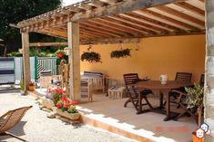 Envie d'investir dans l'immobilier locatif dans  le Jura ? Faites un bel achat entre particuliers avec cette maison à Saint-Amour. http://www.partenaire-europeen.fr/Actualites/Achat-Vente-entre-particuliers/Immobilier-maisons-a-decouvrir/Maisons-entre-particuliers-en-Franche-Comte/Maison-quatre-appartements-cour-terrasse-garage-dependance-ID3529630-20180409 #Maison
