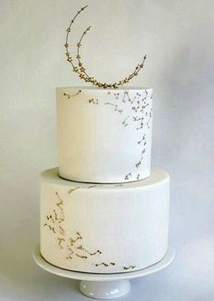 Modern Wedding Cakes A little texture and decor goes a long way to make your wedding cake unique. - These modern and unique wedding cake designs can rock any reception and leave your guests in awe! Check them out! Unique Wedding Cakes, Wedding Cake Designs, Wedding Cake Toppers, Unique Weddings, Cake Wedding, Whimsical Wedding, Star Wedding, Pretty Cakes, Beautiful Cakes