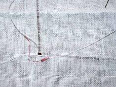 TOVAGLIA BIANCA DI FIANDRA N Drawn Thread, Hardanger Embroidery, Macrame, Anna, Stitch, Sewing, Bathrooms, Towels, Feltro