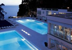 5* Madeira holiday at an exceptional clifftop hotel | Save up to 70% on luxury travel | Secret Escapes