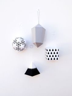 origami paper decorations and gems by minieco Christmas Mood, Noel Christmas, Christmas Paper, Pink Christmas, Origami Ornaments, Paper Ornaments, Mason Jar Crafts, Mason Jar Diy, Diy Paper