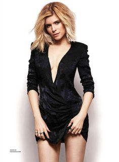 These Kate Mara pictures are her hottest photos ever. We found sexy images, GIFs (videos,) & wallpapers from various bikini and/or lingerie photo shoots. Beautiful Female Celebrities, Beautiful Actresses, Black Widow, Kate Mara Hot, Mara Sisters, Blonde Actresses, Celebrity Magazines, Rooney Mara, Katherine Mcnamara