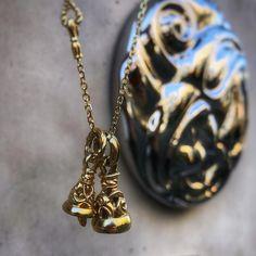 Crane Bell Pendant -XS- 18K Yellow Gold . Dove Bell Pendant -Small- 18K Yellow Gold . ロンワンズ青山 〒150-0001 東京都渋谷区神宮前3-6-1 TEL:03-5785-0766 OPEN 12:00 - CLOSE 20:00 LONEONES FLAGSHIP SHOP
