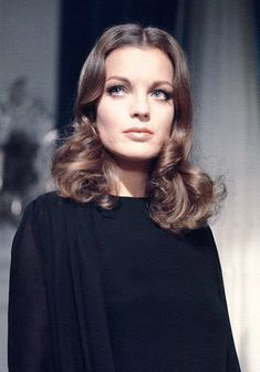 Romy Schneider You have to admire her ability to change. Romy Schneider, Catherine Deneuve, Hollywood Actor, Old Hollywood, Audrey Hepburn, Cool Brown Hair, Celebrity Skin, Alain Delon, Female Actresses