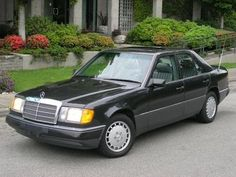 The Mercedes-Benz W124 E-Class, 1986-1995. Built to a standard, not to a price.