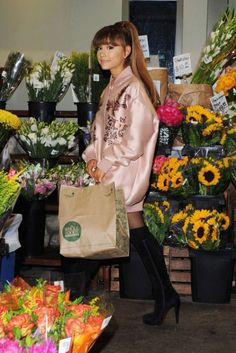 Ariana Grande - Shops at Whole Foods