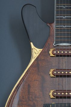 Searching the best luthiers and manufactures for International Guitar Fair, Seville - September 2013. Jesselli Guitars