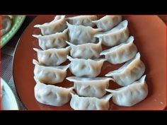How to make dumplings & won ton part 1 / Cooking Chinese Food 饺子, 馄饨
